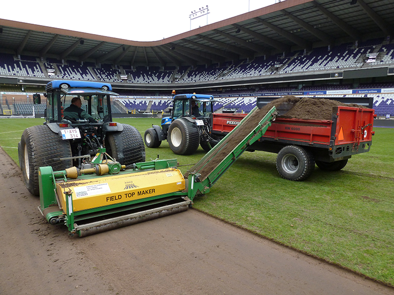 Make-over voor grasmat in Constant Vanden Stockstadion
